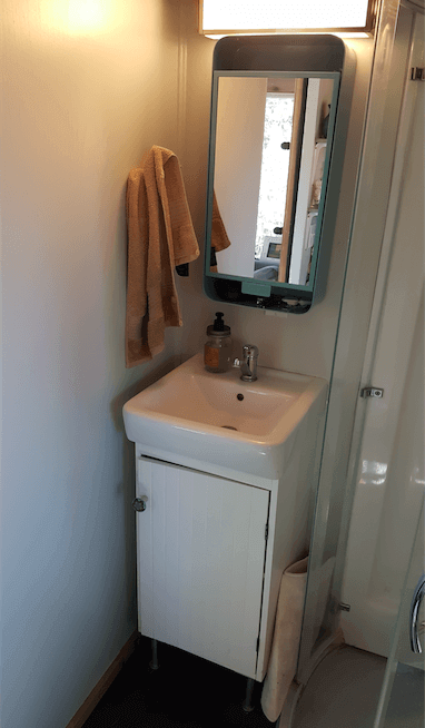 tiny house sink. Tiny House Water Usage - Bathroom Sink